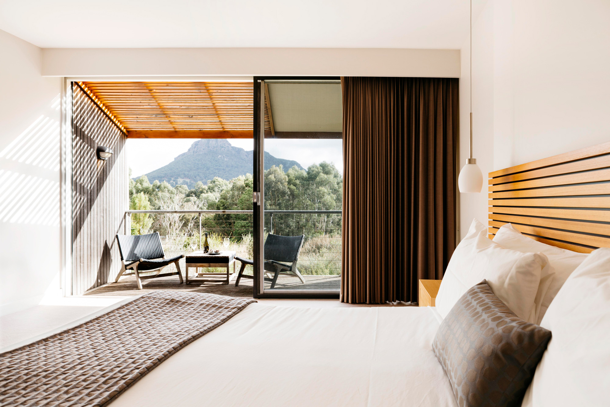 Deluxe Mountain View Room